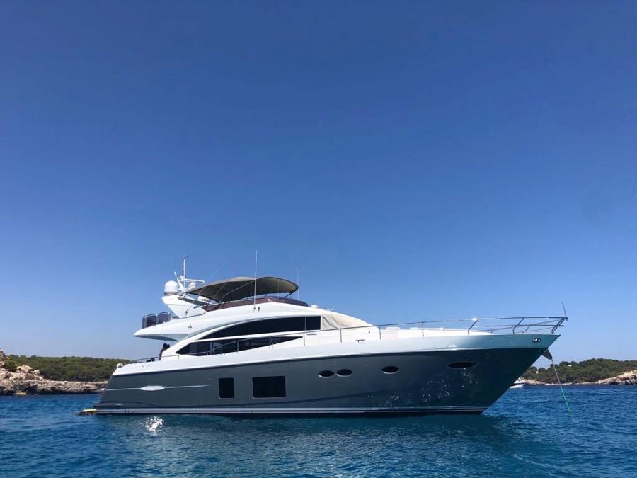 princess 72 charter boat